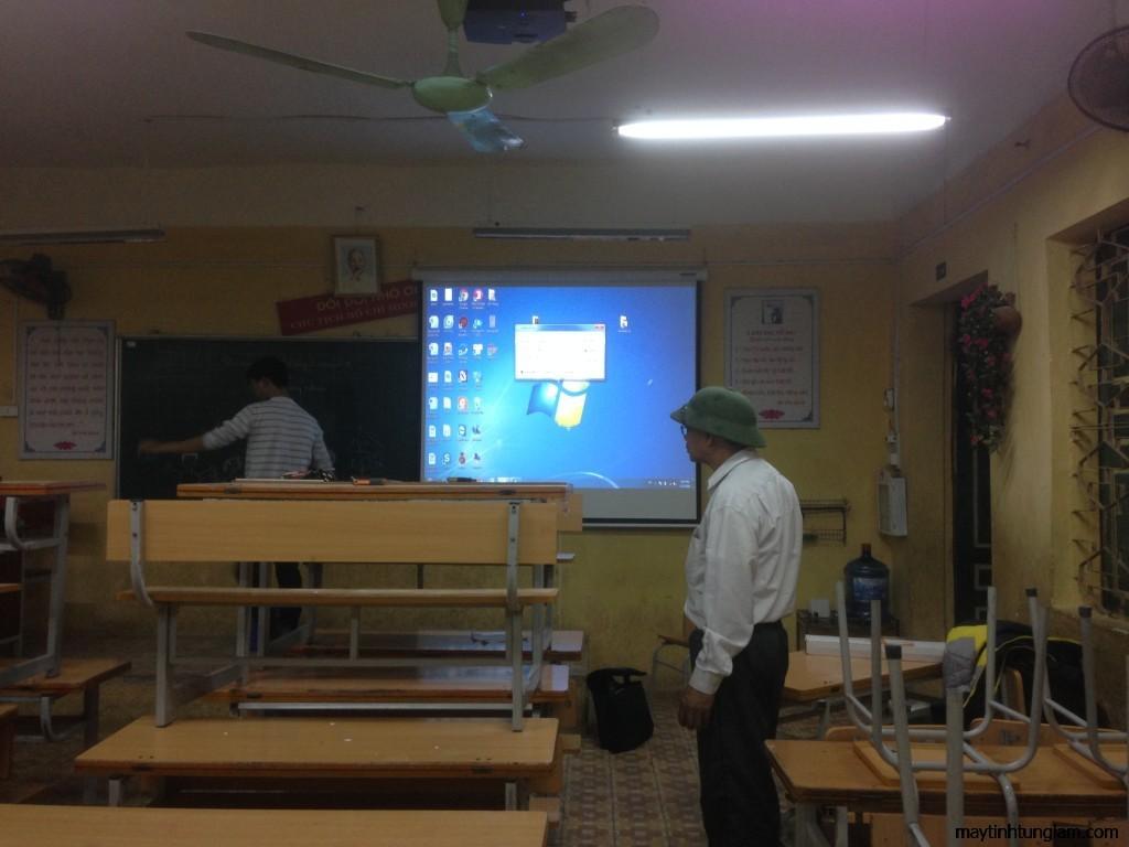 Lắp đặt máy chiếu, màn chiếu tại Văn Giang Hưng Yên